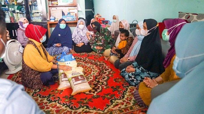 Kepala BPPA Kunjungi Rumah Almarhum Letkol Laut Irfan Suri, Gubernur Nova Sampaikan Belasungkawa