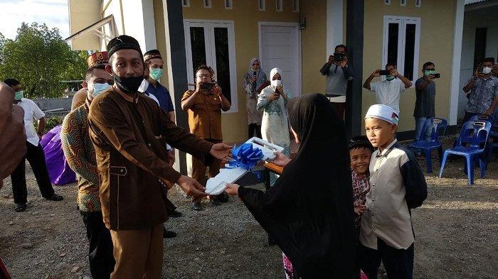 Warga Deah Glumpang Banda Aceh Gotong Royong Bangun Rumah untuk Yatim Fakir, Dana Hasil Patungan