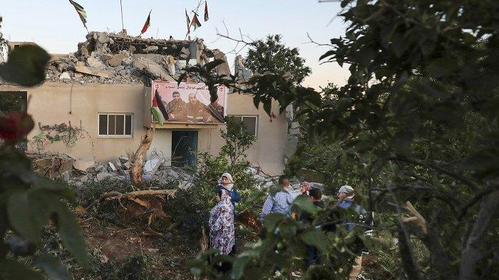 Israel Robohkan Rumah Keluarga Palestina, Hanya Karena Tuduhan Serang Gadis Yahudi