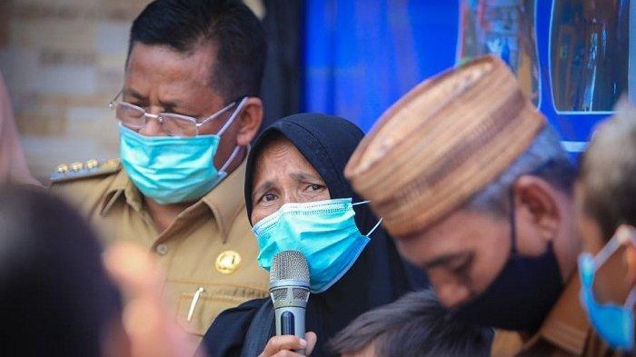 10 Tahun Tinggal di Gubuk Reot, Doa dan Mimpi Yusnidar Tinggal di Rumah Layak Huni Akhirnya Terwujud