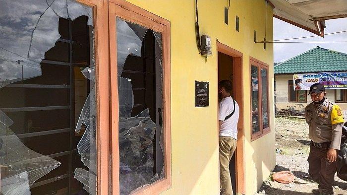 Protes Soal Bantuan Dana Desa, Warga Pecahkan Kaca Kantor Reje Kampung di Bener Meriah