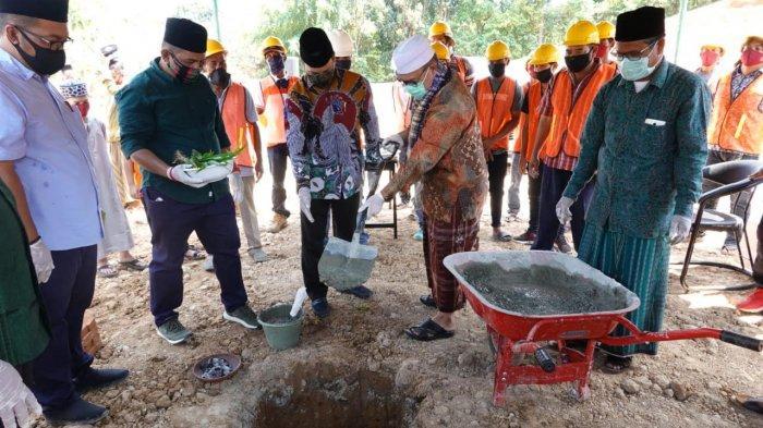 Abu Mudi dan HRD Lakukan Peletakan Batu Pertama Gedung Rusunawa, Kampus IAI Aziziyah Samalanga