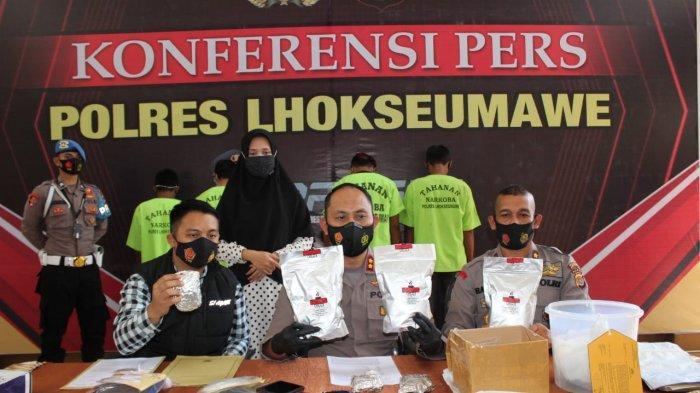 Sabu Sembunyikan di Semak Belukar, Polisi Ciduk Dua Bandar