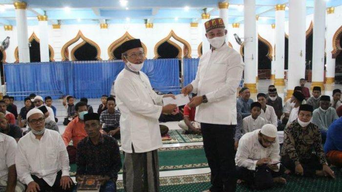 Kalak BPBA Safari Ramadhan 1442 Pemerintah Aceh & Salur Bantuan di Nagan Raya, Ini Pesan Penceramah