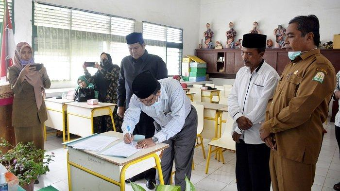 Said Mardha Kepala SMA Muhammadiyah Meulaboh