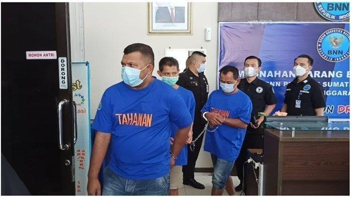 Pamit ke Keluarga Merantau ke Riau, Mantan Anggota DPRK Pidie Jaya Antar 5 Kg Sabu ke Palembang
