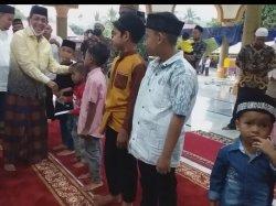 Bupati dan Sekda Bireuen Kunjungi Sejumlah Masjid danSantuni Anak Yatim