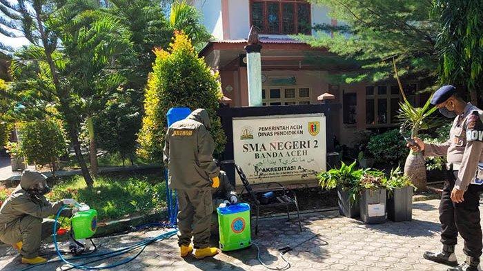 Jelang Proses Belajar Tatap Muka Brimob Polda Aceh Sterilkan Sma 2 Banda Aceh Serambi Indonesia