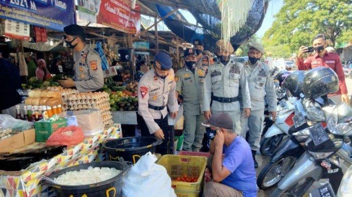 Satgas Yustisi Gelar Patroli dan Bagikan 30 Masker di Pasar Rukoh