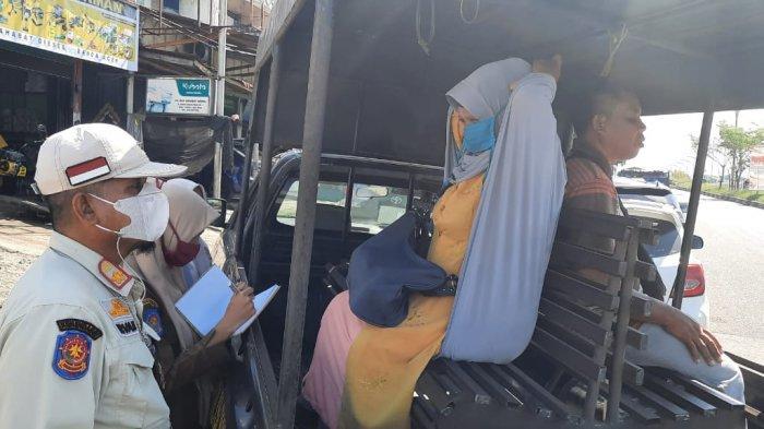 Satpol PP Aceh Besar Tertibkan Pengemis di Lambaro, Sebagian Melarikan Diri