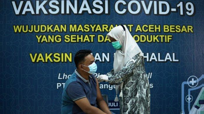 Dukung Percepatan Vaksinasi Covid-19, Solusi Bangun Andalas Ikuti Serbuan Vaksinasi Kodim 0101/BS