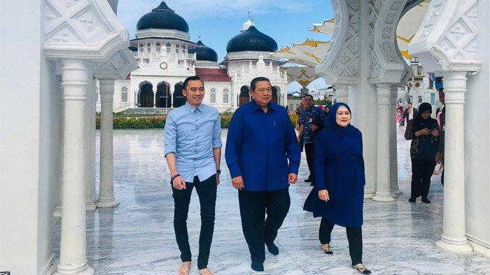 Sebelum Kembali ke Jakarta, Ibu Ani Minta SBY Temaninya Berkunjung ke Masjid Raya, Ini Alasannya