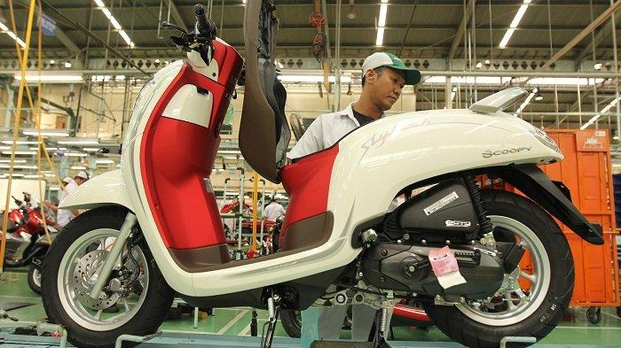 AHM Perkenalkan Honda Scoopy Merah Putih, Kapasitas Bagasi Terbesar di Kelasnya