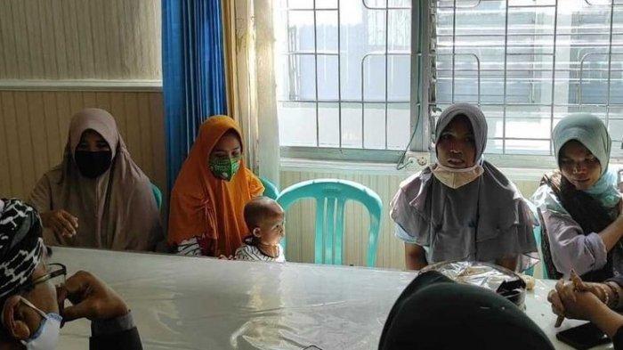 4 Wanita Ini Mendekam di Rutan, Gara-gara Lempar Atap Pabrik, Suami: Anak Saya dan Ibunya Dipenjara
