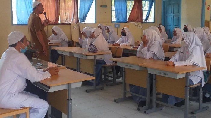 Siswa SMKN 1 PeusanganIkut Dinul Islam