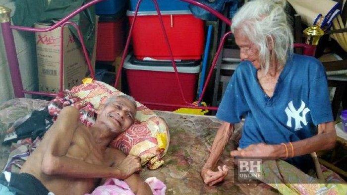 Sedih, Ibu Usia 85 Tahun Rawat Putranya Usia 61 Tahun yang Lumpuh
