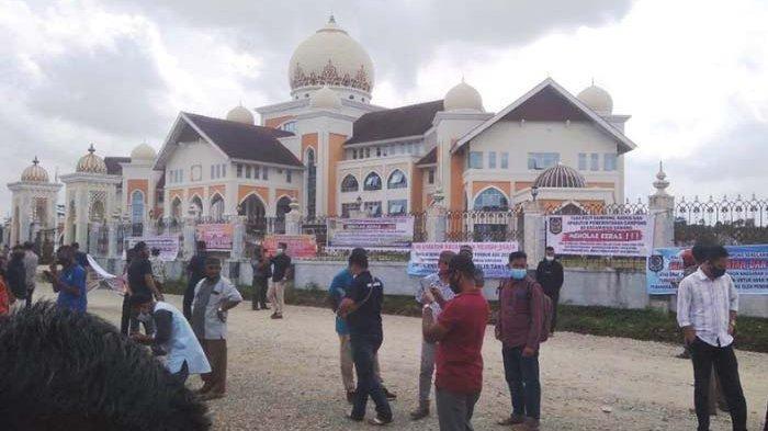 Pemkab dan Apdesi Harus Musyawarah, Terkait Aparatur Desa Protes Bupati