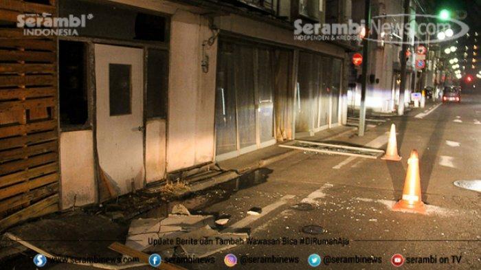 FOTO - Kondisi Terkini Fukushima Jepang, Setelah Diguncang Gempa Berkekuatan 7.1 Magnitudo - sejumlah-bangunan-mengalami-kerusakan-di-fukushima.jpg