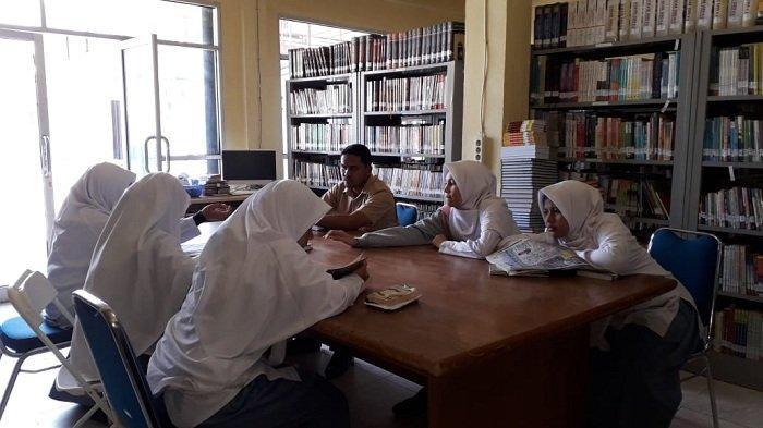 Pustaka Banda Aceh Buka Kembali Layanan Membaca di Tempat Bagi Pengunjung
