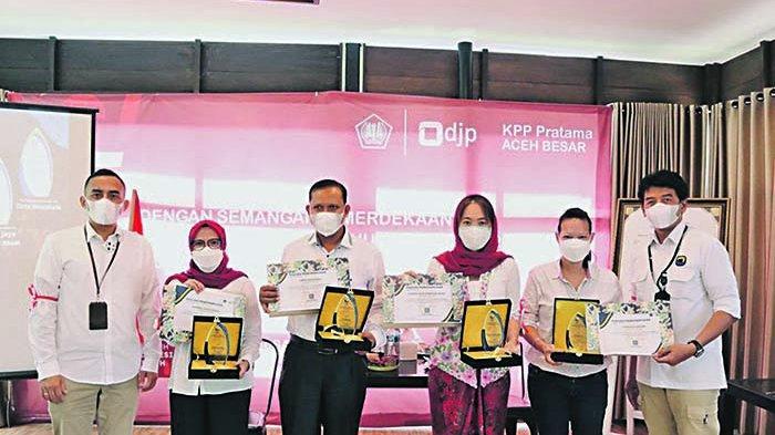 KPP Pratama Aceh Besar Beri Penghargaan ke WP