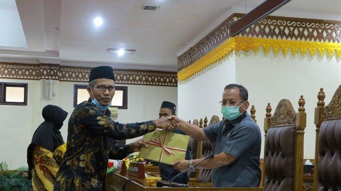 Bupati Aceh Barat Serahkan LKPJ ke DPRK, Angka Pengangguran dan Kemiskinan Menurun