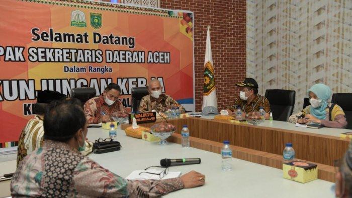 Sekda Aceh Bahas Percepatan Vaksinasi Covid-19 dan Insentif Nakes dengan Tujuh Bupati/Wali Kota