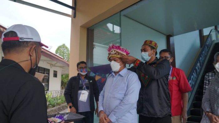 Sekda Aceh Taqwallah Disambut dengan Topi Kehormatan, Saat Tiba di Papua Hadiri Penutupan PON Besok