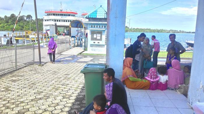 Ingat! Penumpang Kapal Feri di Pelabuhan Sinabang Wajib Tunjukkan Sertifikat Vaksin