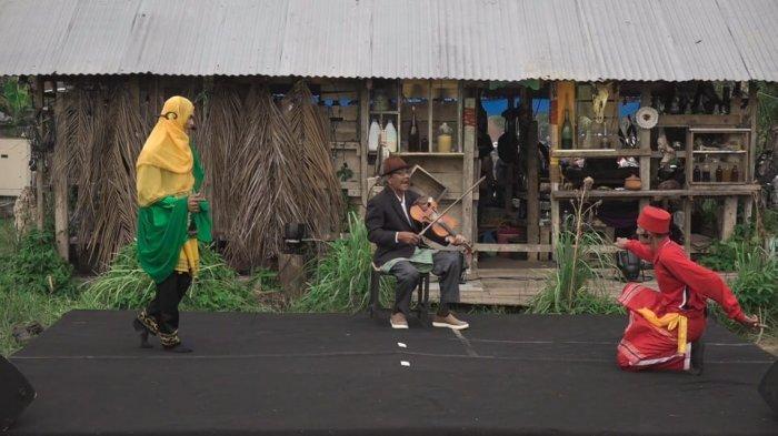 Dua Grup Teater Tradisi Mop-mop Tampil di Banda Aceh