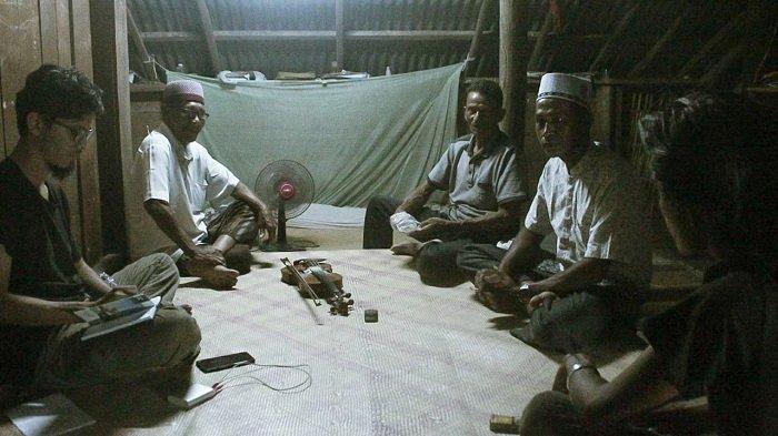 Seniman Teater Aceh Teliti Seni Tradisi Mop-mop