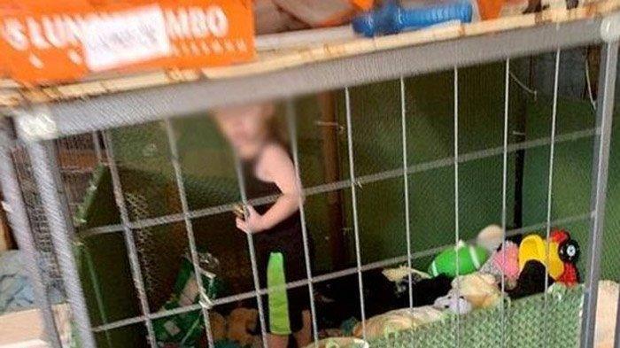 Seorang Anak Dikurung Dalam Kandang Anjing, Sudah Berlangsung Lama dan Dikelilingi Ular