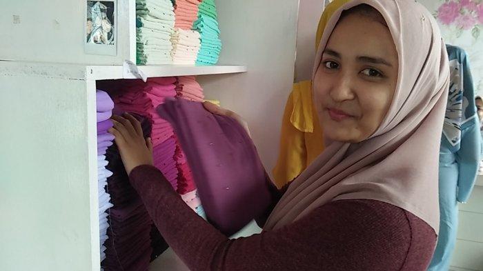 Lagi Trend, Jilbab Paris asal Malaysia Digandrungi Kaum Remaja Bireuen