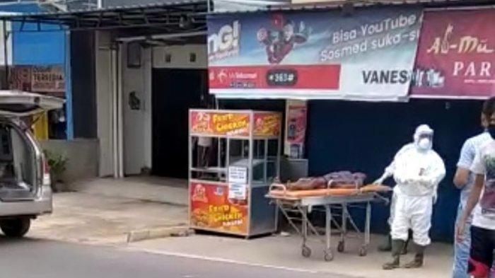 Viral Video Warga Tiba-Tiba Tumbang Diduga Terinfeksi Corona, Ternyata Pingsan karena Kelaparan