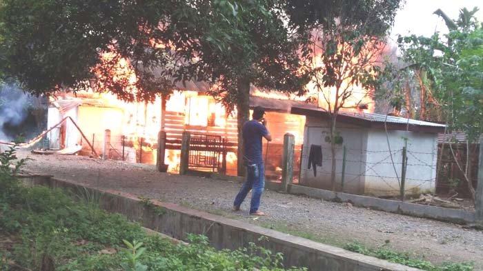 Empat Toko di Indrapuri Terbakar