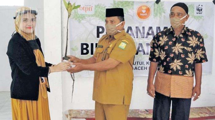 BTPN Syariah Serahkan Bantuan 4.000 Bibit Mangrove