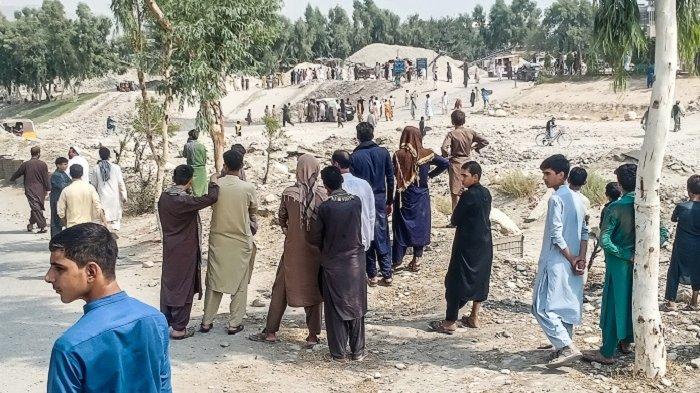 Bom Hantam Mobil Polisi Perbatasan Afghanistan, Lima Orang Tewas, Termasuk Seorang Anak