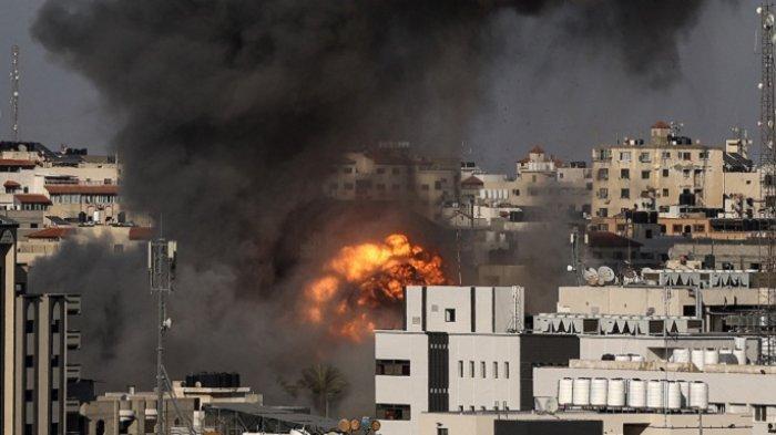 Pertempuran Makin Panas, Israel Serang Gaza Lewat Udara dan Laut, Hamas Lakukan Balasan