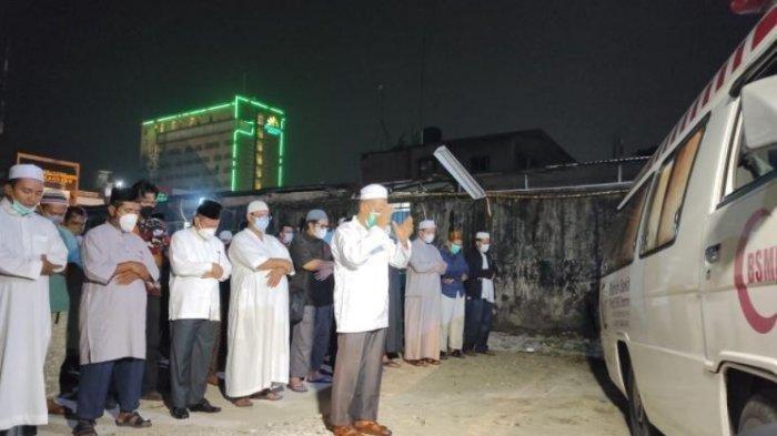 Usai Dishalatkan di RS Tabrani, Ustaz Tengku Zulkarnain Dikebumikan di Pemakaman Khusus Covid-19