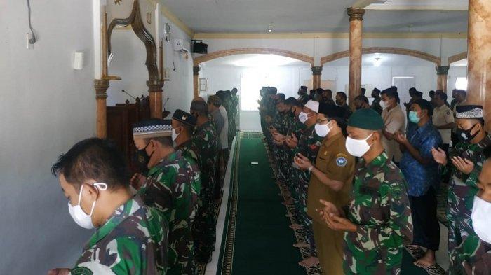 Doakan Kru KRI Nanggala 402, Prajurit Kodim Aceh Selatan Gelar Shalat Ghaib dan Doa Bersama