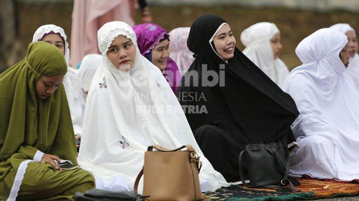 Bolehkah Jamaah Wanita Dirikan Shalat Idul Adha Diimami Seorang Perempuan? Berikut Penjelasannya