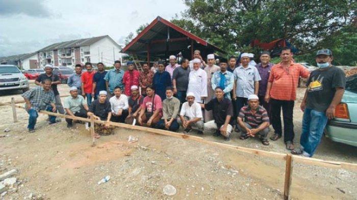 Warga Aceh di Malaysia Bangun Meunasah