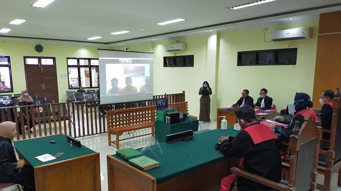 Sidang penbacaan tuntutan terhadap tiga terdakwa perkara narkotika sabu-sabu jaringan internasional dengan barang-bukti 119 kg secara virtual di PN Idi Aceh Timur, Rabu (16/12/2020).