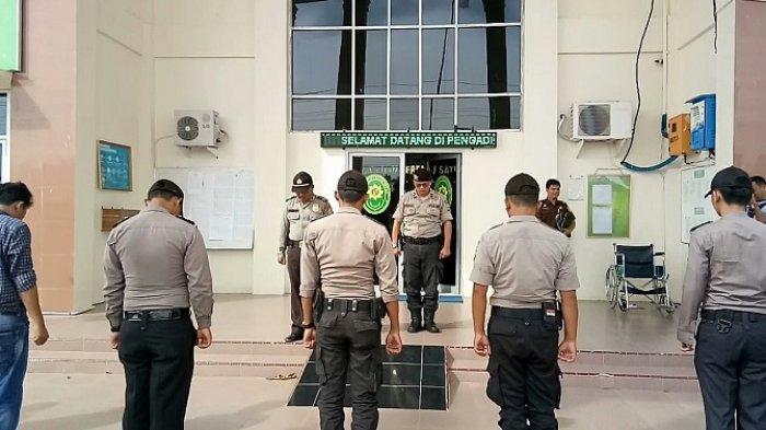 Sidang Tuntutan Pembunuh Sopir Travel di PN Singkil Dijaga Ketat Kepolisian