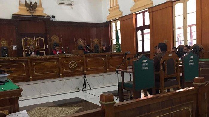 Selain Dituntut 8 Tahun Penjara, Jaksa juga Minta Hakim Cabut Hak Politik Bupati Pakpak Bharat