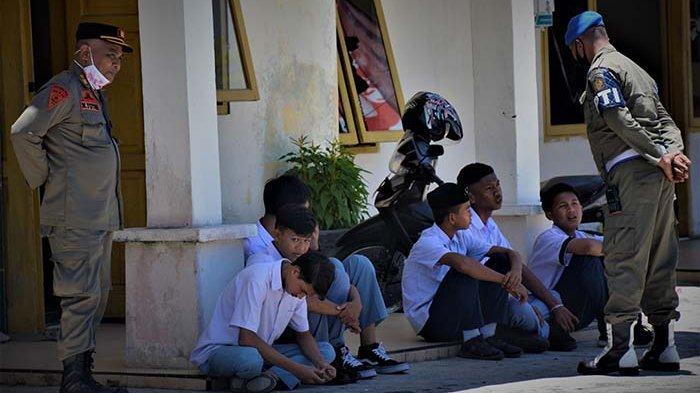 Satpol PP dan WH Aceh Barat Amankan Siswa Bolos Saat Jam Belajar dan Nongkrong di Warkop