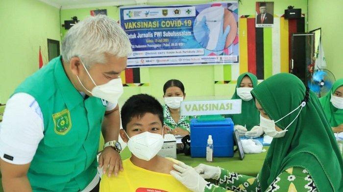 Inspiratif, Pelajar SMP Ini Berani Divaksin Covid-19, Sengaja Izin dari Sekolah untuk Ikut Vaksinasi