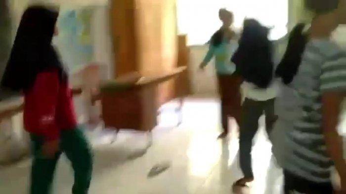 Viral Siswi SMP Dibully Murid SD, Korban Dianiaya Sampai Jatuh