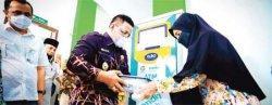 Wali Kota Launching ATM Beras Untuk Warga Miskin