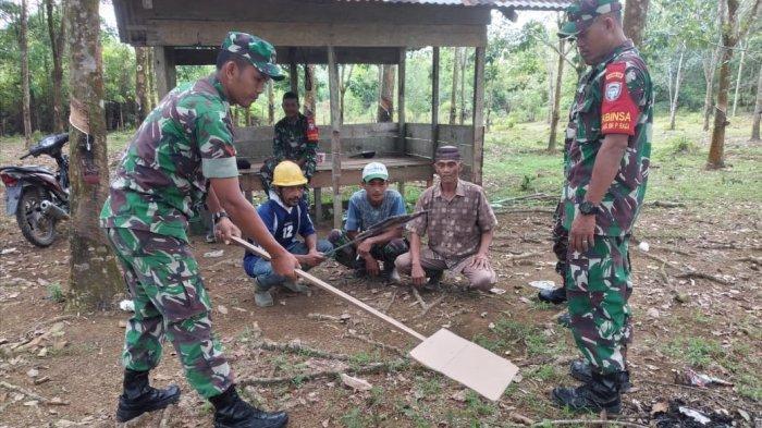 TNI di Nagan Raya Patroli dan Sosialisasi Cegah Karhutla