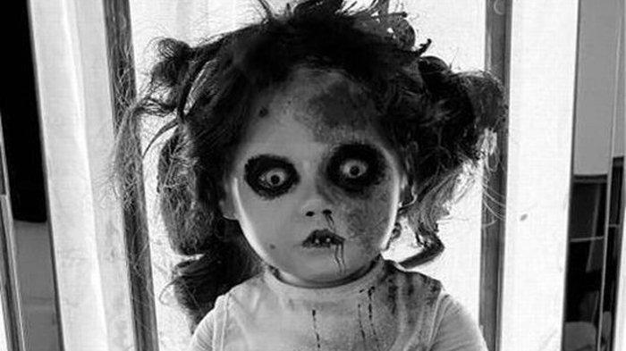 Lebih Seram dari Boneka Annabelle, Boneka Annie Menangis dan Keluarkan Air Mata saat Kerasukan